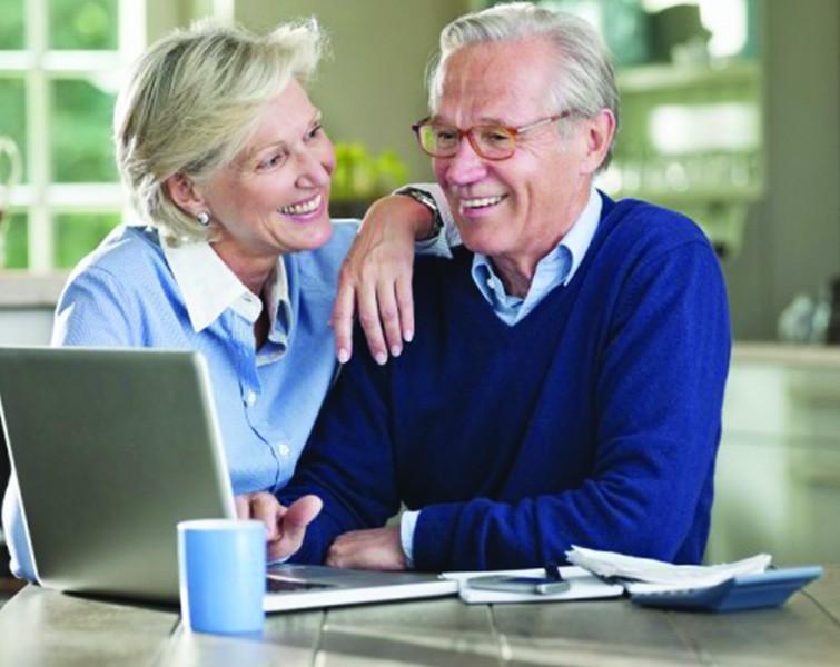 personnes-agees-rama-yade-service-civique-obligatoire-seniors-680x510